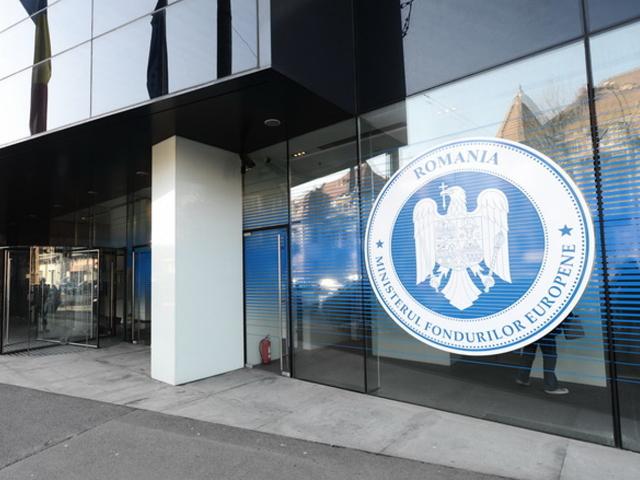 Fără soluţii la absorbţia fondurilor UE. Miliarde de euro alocaţi României zac în seifurile de la Bruxelles, în vreme ce şantierele de autostrăzi stau înţepenite din lipsă de fonduri