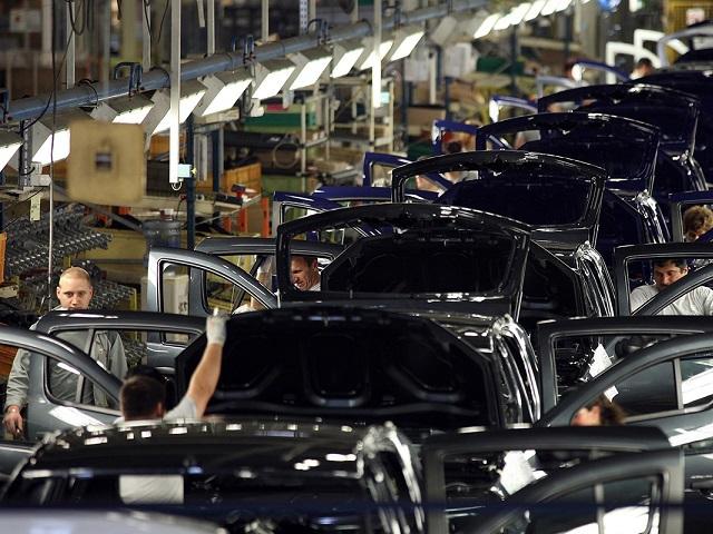 #zftrebuiesarepornimbusinessul. Producţia de maşini ar putea fi reluată în România, însă problema este cine le va cumpăra. Uzinele Ford şi Dacia ar putea relua producţia mai rapid decât era programat iniţial, în condiţiile în care mai multe
