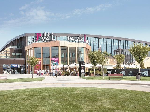 Iulian Dascălu investeşte încă 160 mil. euro în extinderea complexului Palas din Iaşi cu birouri, retail, hotel şi locuinţe. Întregul ansamblu va ajunge la o valoare a investiţiei de 470 mil. euro