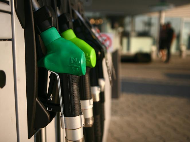 Cinci ţări din UE în care se trăieşte mai bine decât în România dar în care benzina e mai ieftină