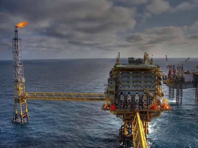 Anul marilor decizii pentru Marea Neagră, punct în liberalizarea pieţei de energie şi posibile insolvenţe ca urmare a noilor taxe