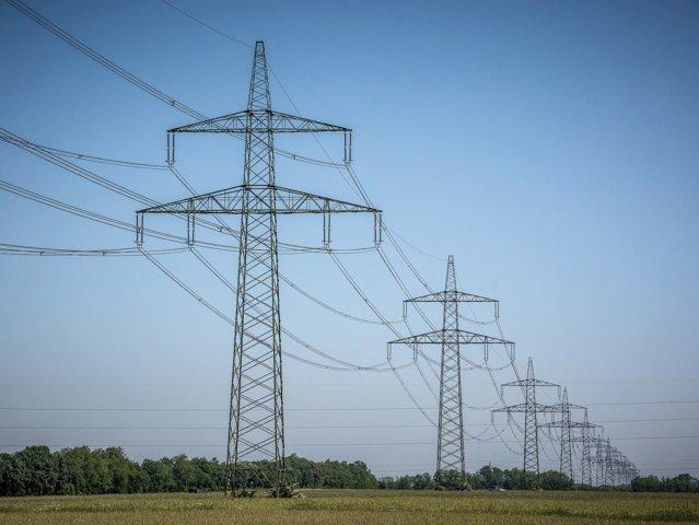Ce s-a mai întâmplat cu liberalizarea pieţei de energie. ANRE vrea să stingă criza şi obligă furnizorii să dea cele mai bune oferte consumatorilor casnici până la jumătatea lui 2021. Furnizorii au anunţat ofertele. Răzvan Nicolescu, expert în energie: Dec