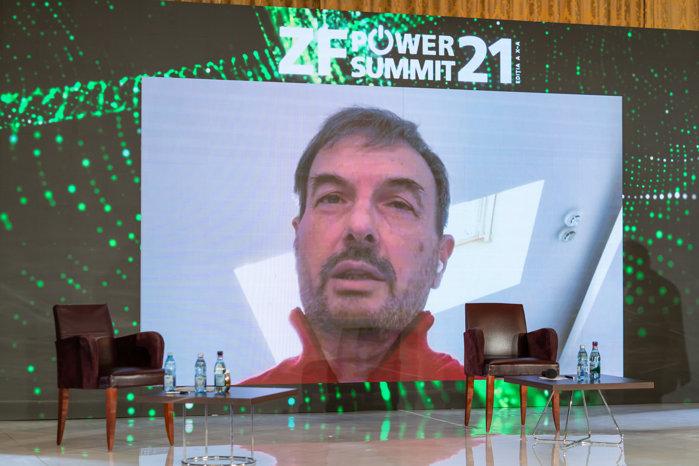 Carlo Pignoloni, CEO şi Country Manager Enel Romania, RWEA President: În cadrul acestei tranziţii energetice ne hotărâm viitorul. Dar modul în care va arăta viitorul depinde şi de client, care trebuie informat şi educat