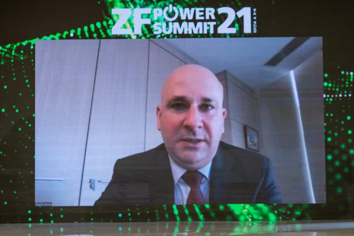 Bogdan Badea, general manager Hidroelectrica: Eram pregătiţi de anul trecut să ajungem la bursă. Urma să selectăm consorţul care să ne asiste în procesul de listare, dar am pus totul pe pauză. Aşteptăm ca interdicţia să se ridice şi vom continua procesul de listare