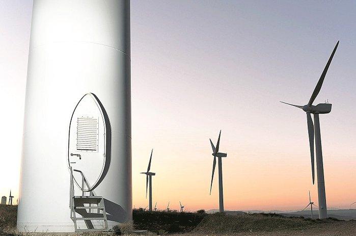 Grupul Electrica face primul pas major spre diversificarea portofoliului de activităţi, preluând dintr-un foc trei proiecte eoliene şi solare, cu o capacitate totală de 207 MW, de la grupul Monsson, controlat omul de afaceri Emanuel Muntmark