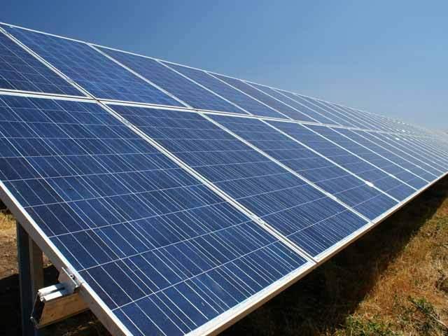 Studiu Global Data, Londra: Capacitatea proiectelor solare va creşte semnificativ pe fondul închiderii centralelor pe cărbuni