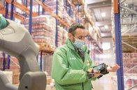 eMAG a investit 5 mil. euro pentru a intra în comerţul alimentar online cu propriul hipermarket virtual, Freshful. Miza: vânzări de 200-250 mil. euro anual în prezent