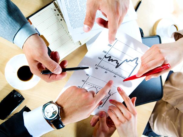 Datele din business s-au schimbat: Comisia de Prognoză reduce estimarea de creştere economică de la 6,1% la 5,5%. Media de creştere avansată de economişti este de doar 3,5%