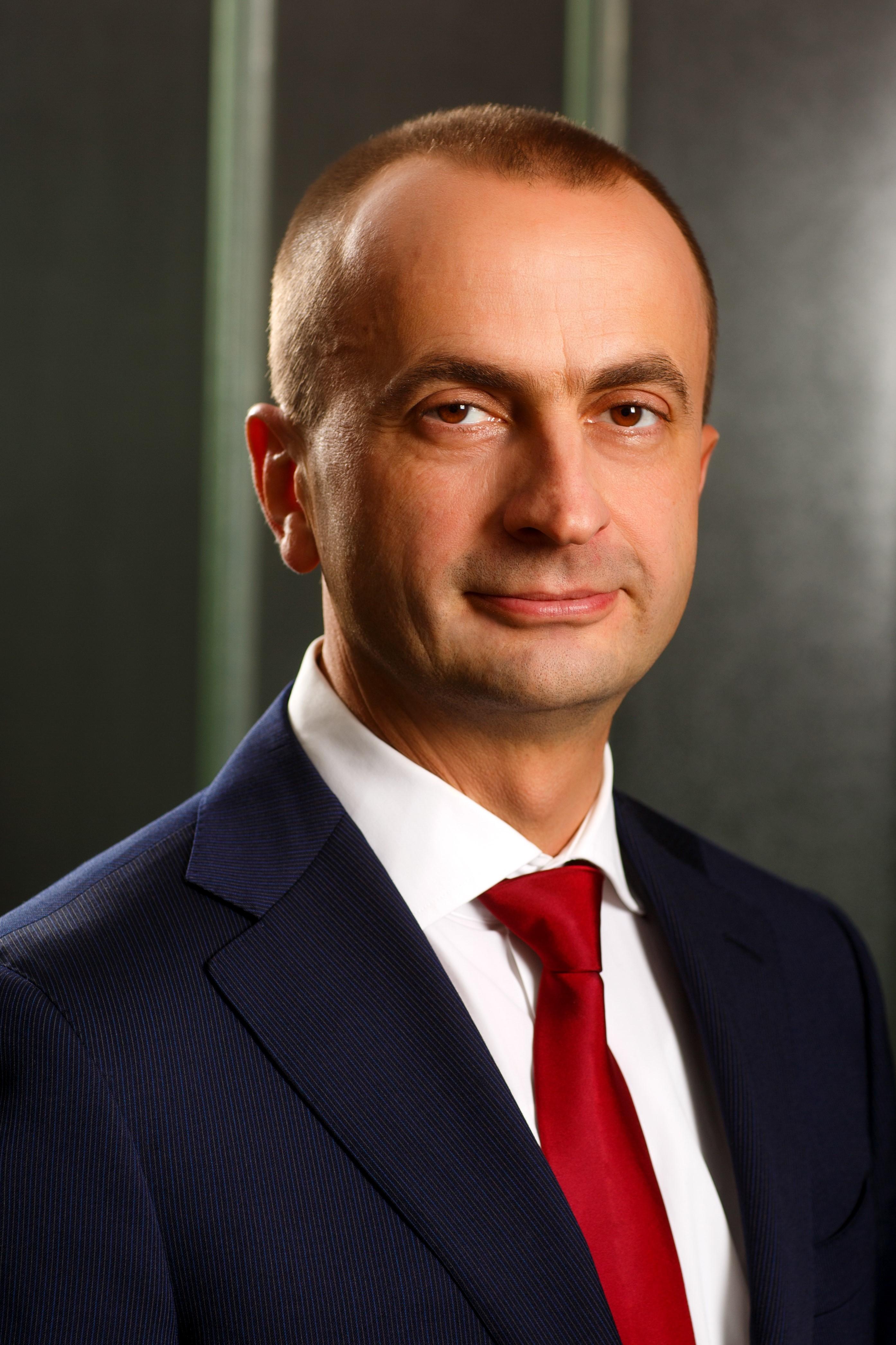 EY anunţă venituri de 34,8 mld. dolari în anul financiar 2018, în creştere cu 7,4%. Bogdan Ion, country managing partner: Am continuat creşterea accelerată, dezvoltând noi servicii bazate pe tehnologie