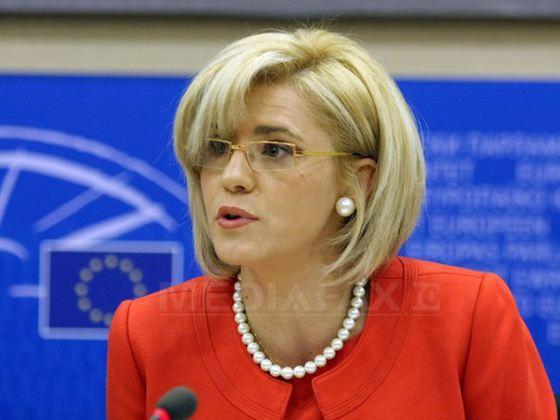 Comisarul european Corina Creţu aruncă iar cu săgeţi spre guvernul PSD şi spune că nu înţelege dacă vrea sau nu bani de la UE pentru spitale