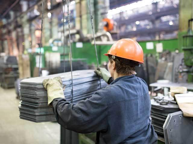 Producţia industrială încetineşte şi pune sub semnul întrebării creşterea economică. Miercuri vom afla cum am stat în T3/2018