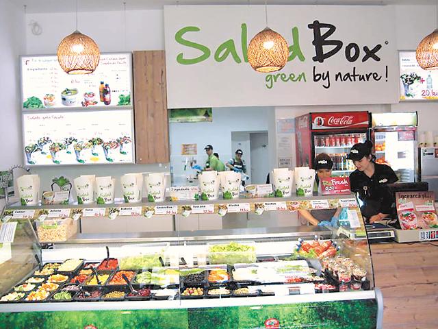 Antreprenorii care au pus pe picioare cel mai mare lanţ autohton de restaurante vor să ducă Salad Box în Italia şi Marea Britanie
