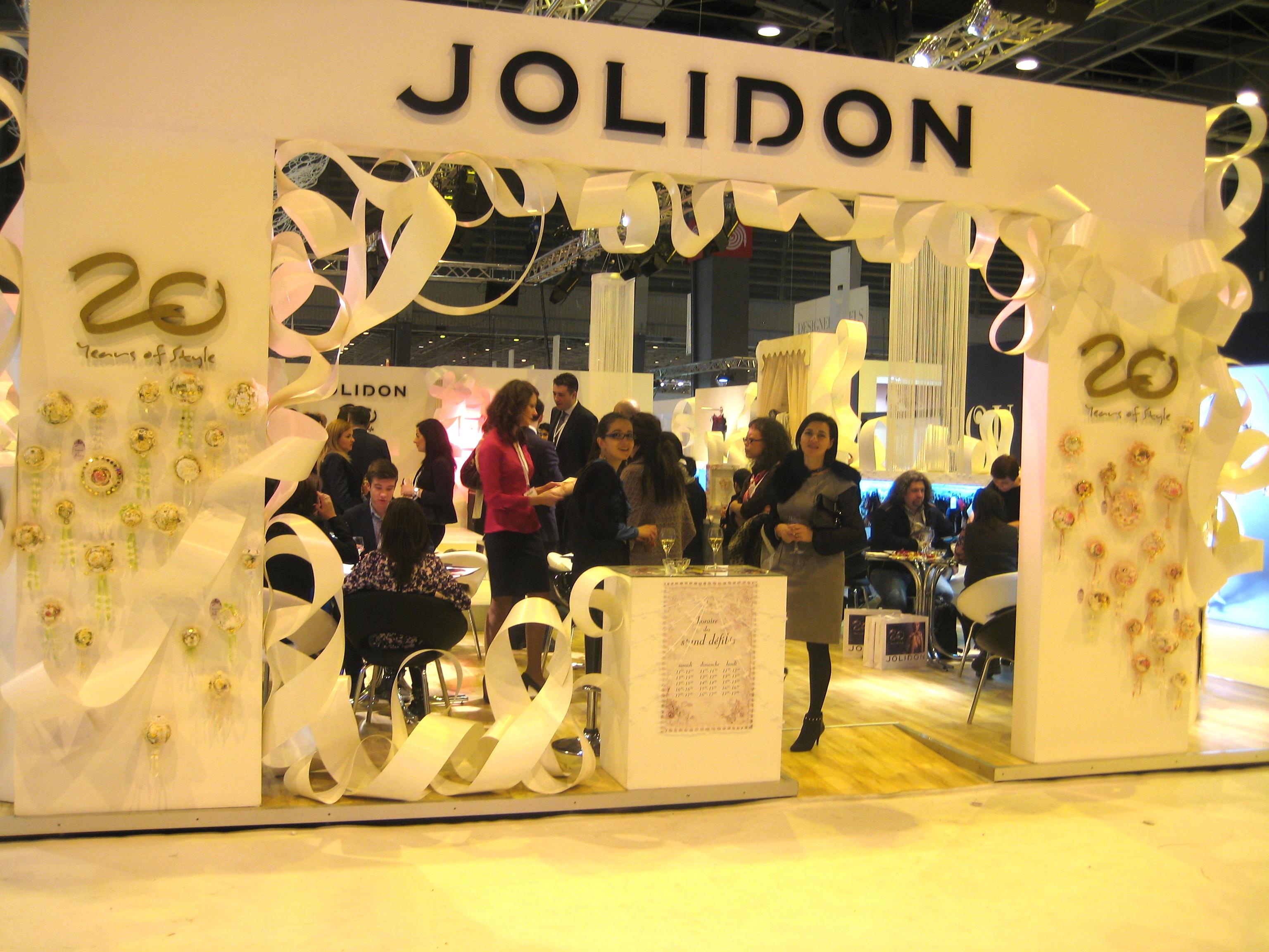 Jolidon scapă de faliment. Curtea de Apel a decis ca producătorul de lenjerie intimă să continue reorganizarea