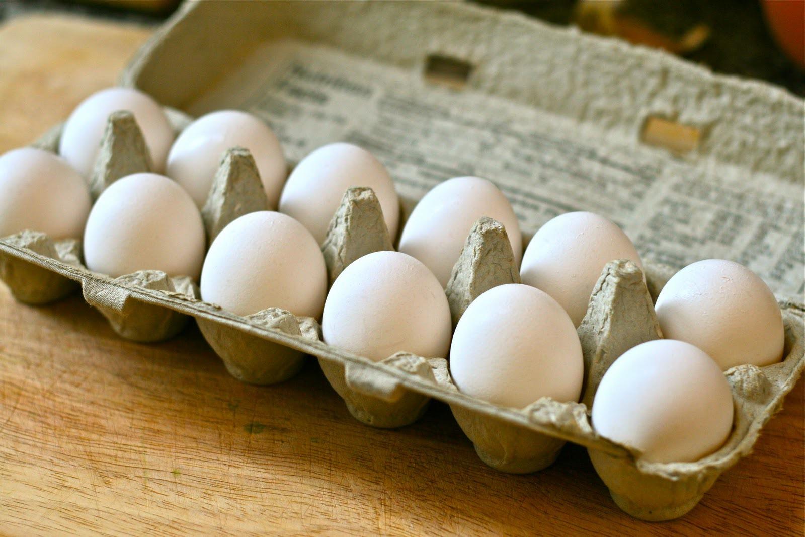 Consiliul Concurenţei investighează principalii furnizori de ouă cu privire la majorarea artificială a preţurilor