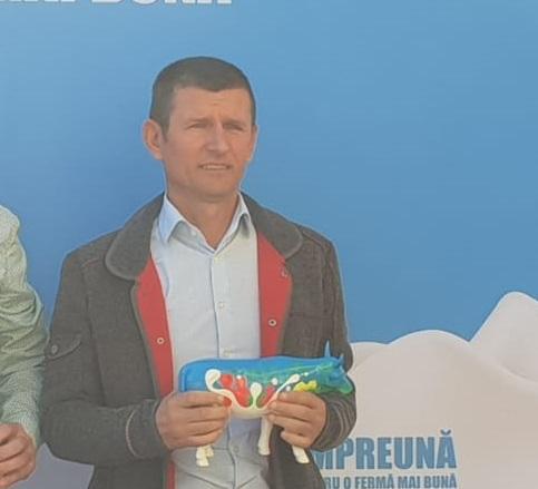 Ovidiu Onişor, un fermier cu 250 de vaci din Cluj: Nu cred în cooperative. Poate următoarea generaţie să scape de metehnele trecutului şi să se asocieze