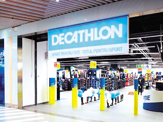 """Creşterea din online schimbă strategia Decathlon, liderul pieţei de articole sportive. """"Vrem să deschidem magazine mai mici sau puncte Click and Collect. Facem teste anul acesta"""""""