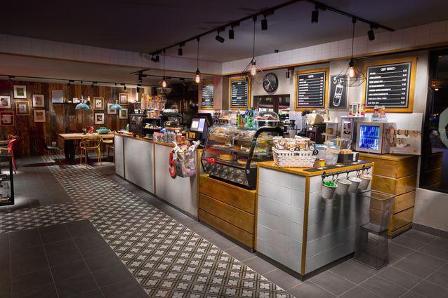 Tranzacţie surpriză pe final de an: Fondul de investitii Mozaik Investment, unde investitor şi co-fondator este patronul de la Superbet, a preluat 35% din lanţul de cafenele 5 to Go