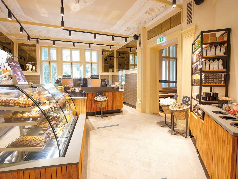 Lanţul american de cafenele Starbucks merge în inima Bucureştiului, într-o clădire istorică din Piaţa Romană: Este un pas strategic important pentru noi