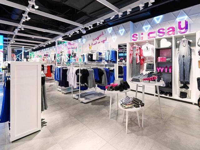 Grupul polonez de modă LPP are în plan deschiderea a trei magazine noi sub brandul Sinsay în 2020. Primul va fi în Colosseum Mall