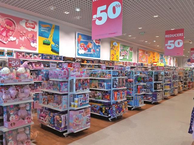 Polonezii de la SMYK All for Kids şi-au bugetat cinci deschideri de magazine în 2020, cel mai rapid ritm de până acum. Retailerul de produse pentru copii a deschis cel de-al 19-lea magazin din România în Dâmboviţa Mall Târgovişte, aceasta fiind a doua inaugurare din 2020