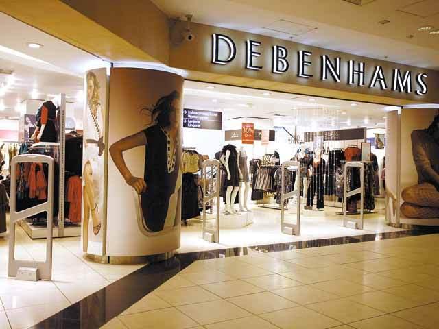 Moda britanică şi americană nu prinde la români: brandurile de fashion de pe aceste pieţe nu rezistă pe plan local. Top Shop e cel mai recent exit dintr-o serie mai lungă ce include nume precum New Look, Debenhams, Gap sau Forever 21