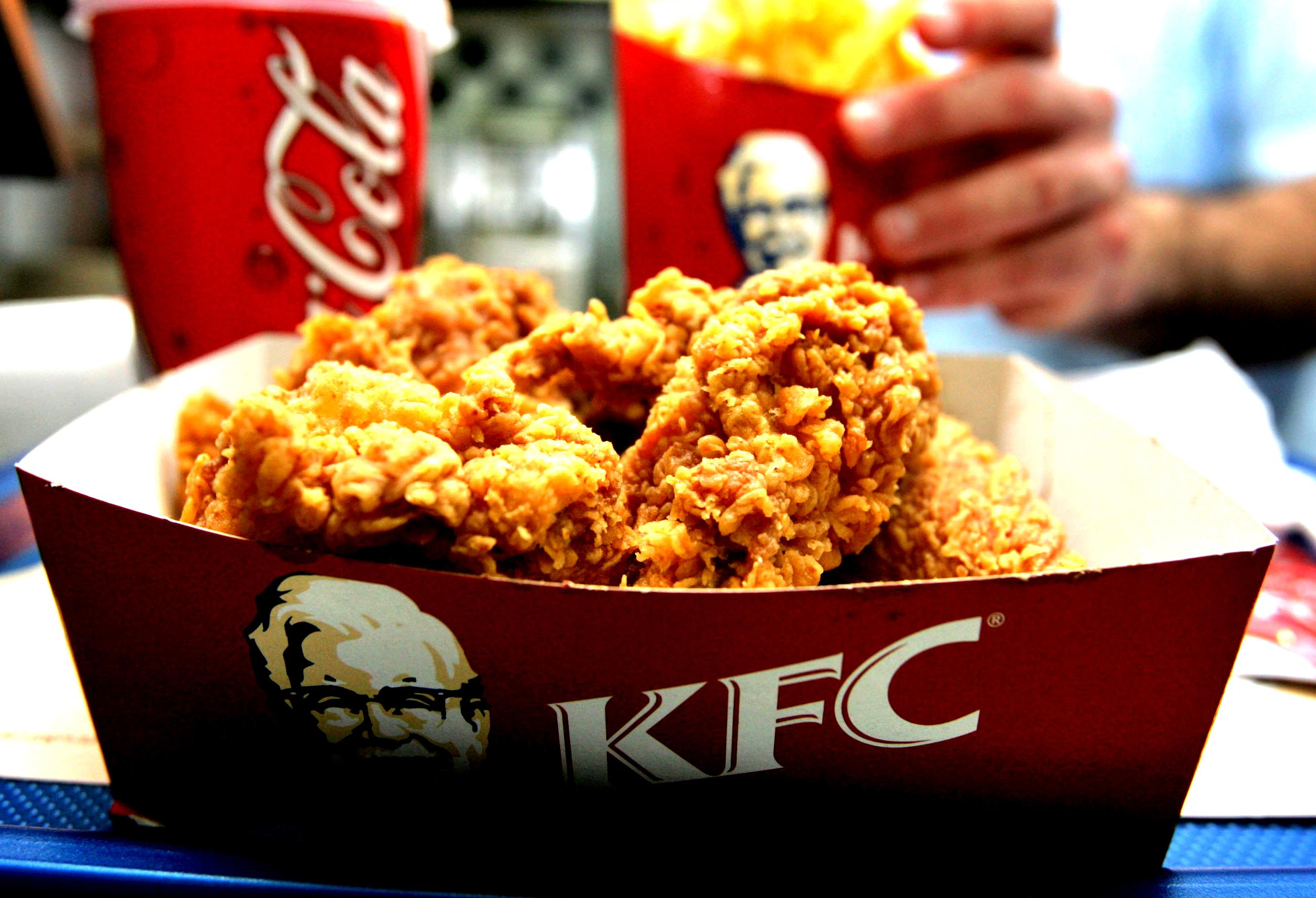 Sphera Group, administratorul KFC, Pizza Hut şi Taco Bell, redeschide toate restaurantele şi readuce la muncă angajaţii aflaţi în şomaj tehnic