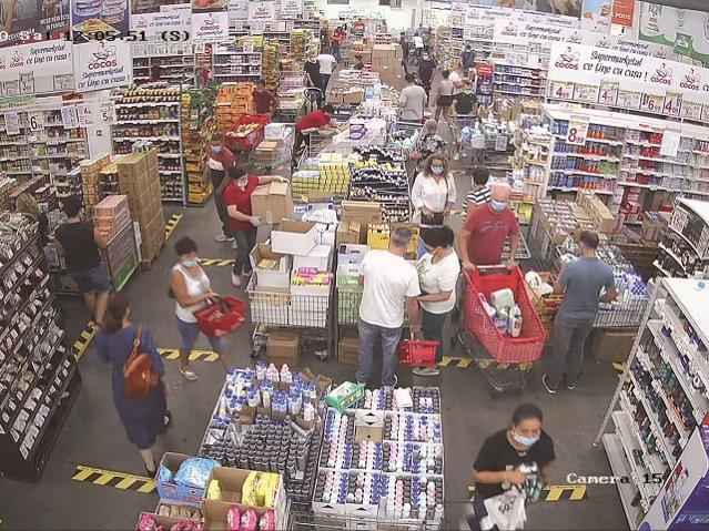 Magazinul La Cocoş vine de la Ploieşti şi în Bucureşti. Un antreprenor local face 54 mil. euro cu un magazin de 4.500 mp în Ploieşti. Acum el vine în Bucureşti în locul hipermarketului Carrefour Vitantis