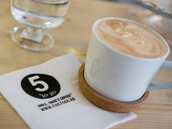 Parteneriat în business. Reţeaua 5 to Go a deschis o cafenea într-un  hipermarket Kaufland şi se extinde şi în alte magazine ale retailerului