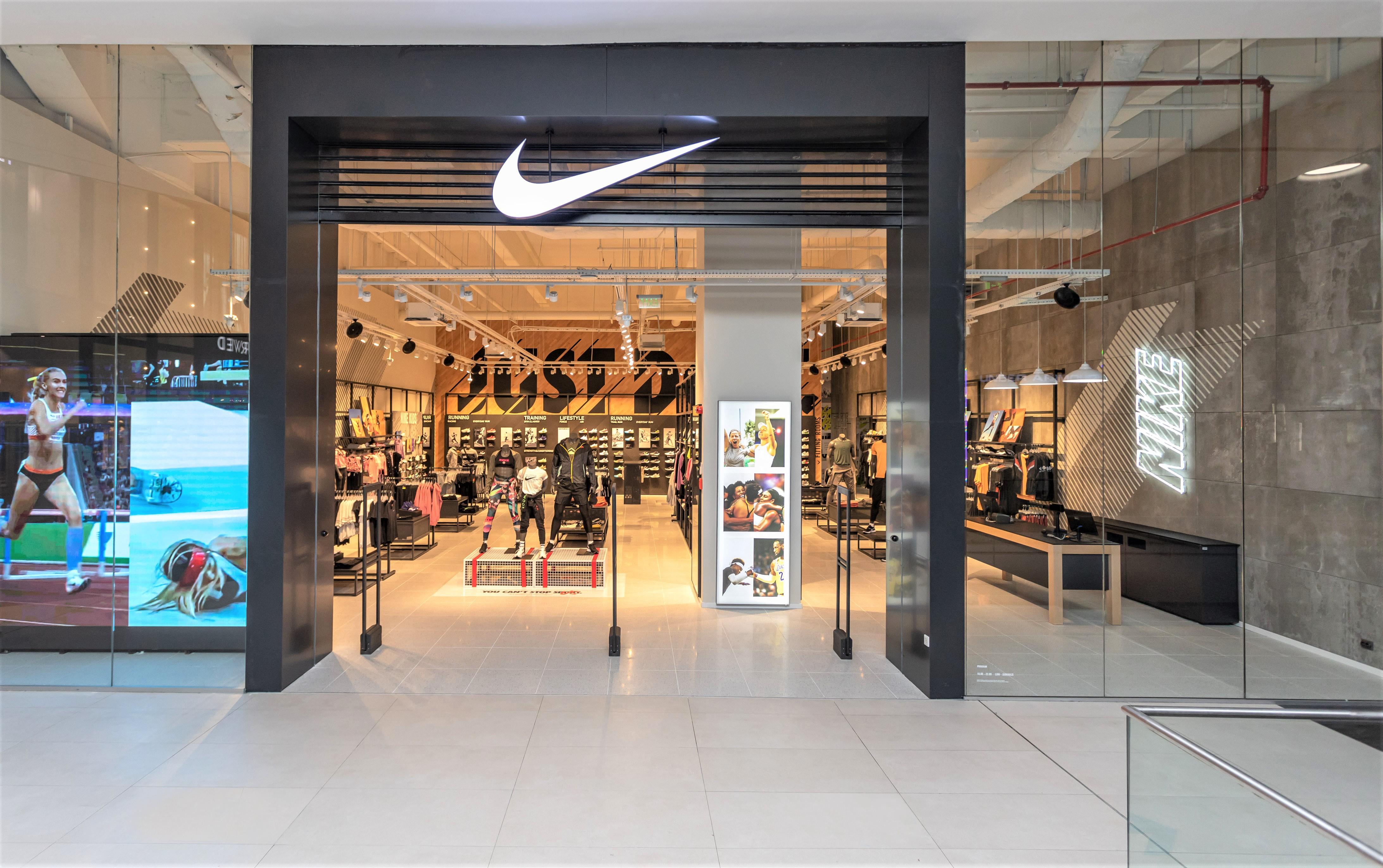 Sport Time Balkans din Serbia, care a preluat recent distribuţia brandului Nike pe plan local, a deschis în Bucureşti primul magazin monobrand din cele trei planificate pentru această toamnă în România
