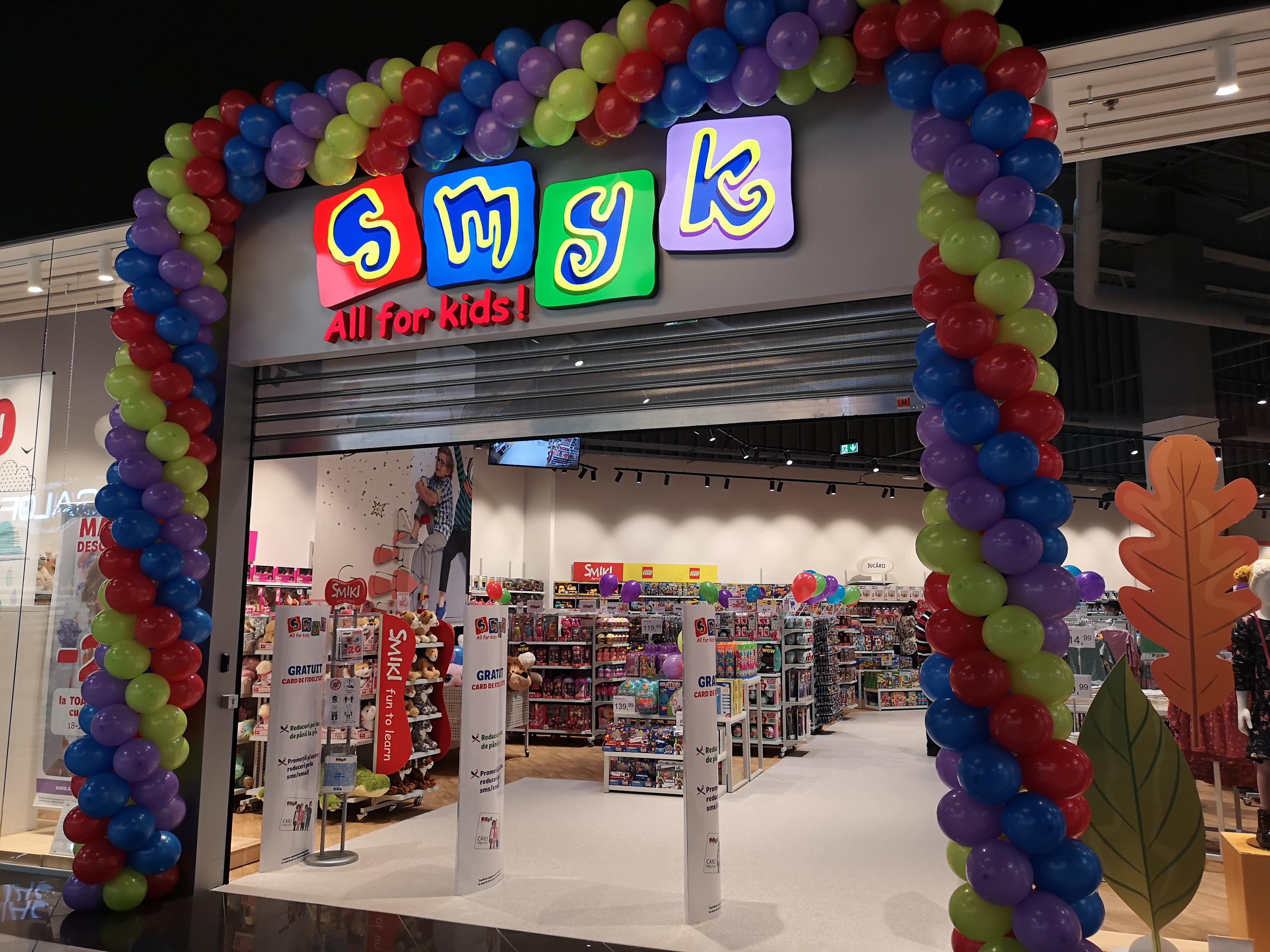 Retailerul polonez SMYK All for Kids deschide pe 21 octombrie un nou magazin, în Braşov, al patrulea inaugurat în acest an, şi ajunge la o reţea de 21 magazine