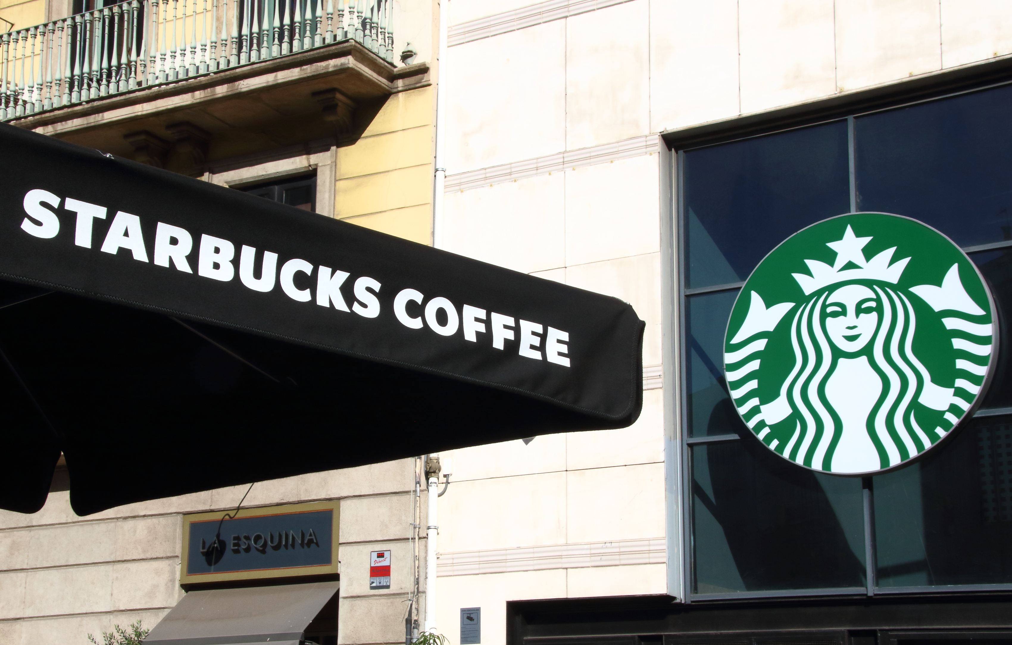 Polonezilor de la Amrest le expiră acordul de franciză pentru Starbucks în România în octombrie 2023