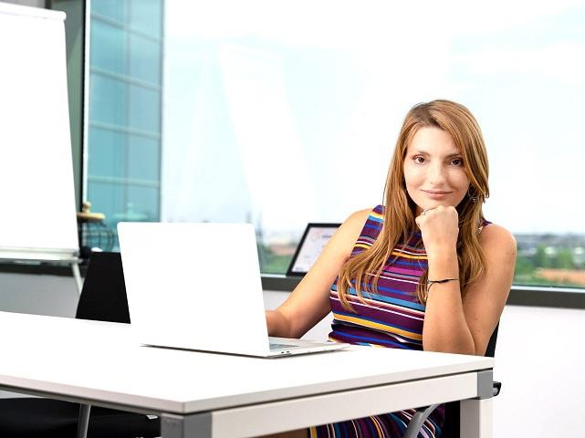 Monica Cadogan, CEO şi fondatoarea Vivre, despre 2021: Cel mai pesimist scenariu pentru 2021 este că se menţin incertitudinea şi starea aceasta de aşteptare. Vivre este unul dintre cei mai mari retaileri online de mobilă şi decoraţiuni din România