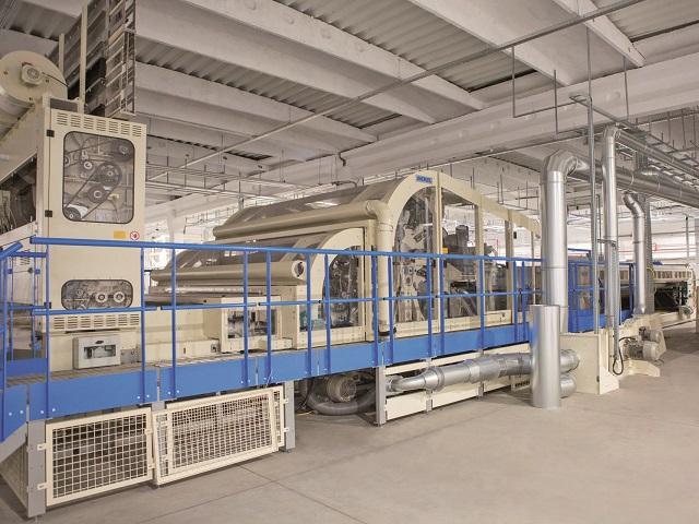 Producătorul de textile neţesute Minet din Râmnicu Vâlcea a investit 6,5 mil. euro într-o linie de producţie care va fi destinată clienţilor din construcţii şi industria auto. Compania este deţinută de antreprenori vâlceni şi face parte dintr-un grup de mai multe firme reunite sub umbrela Minet