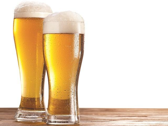 Jumătate din ingredientele folosite de industria locală de bere provin din România. În cazul celor mai mari doi jucători ponderea urcă până la 70%. Spre deosebire de alte industrii, în bere producţia locală acoperă 97% din consum, jucătorii importanţi având facilităţi de producţie în România