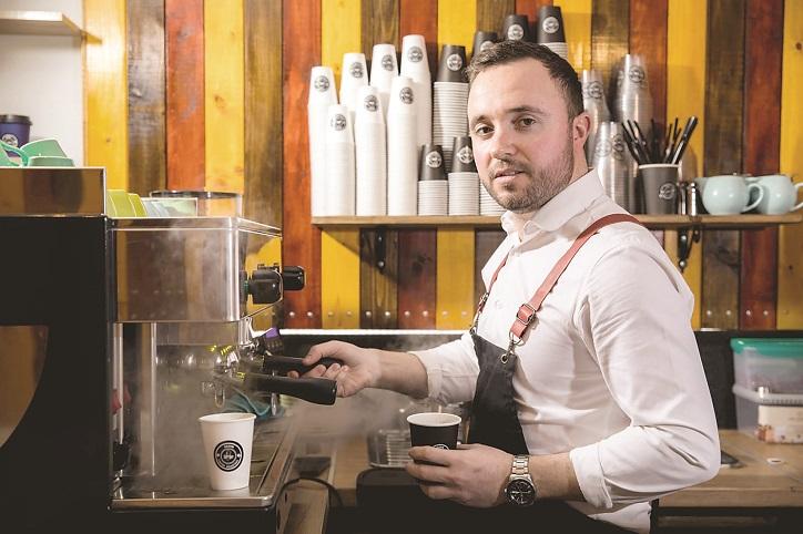 Afaceri de la zero. George Pohrib a mizat pe cafeaua de specialitate şi a  dus brandul Sezon Coffee din Galaţi la peste 50.000 euro în 2020