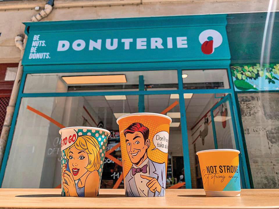 """Două concepte româneşti merg la Paris: Un local mixt 5 to go şi Donuterie a fost deschis în Capitala Franţei. """"Ridicăm toate pânzele sus şi am încredere că vom face o figură frumoasă în Franţa, aici unde industria HoReCa este una dintre cele mai performante din lume!"""""""