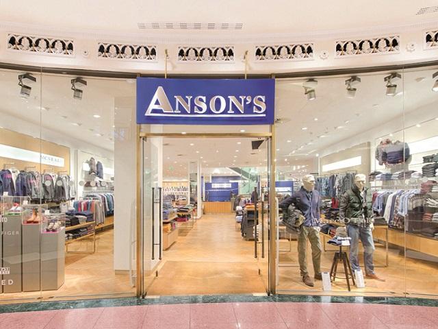 Apetitul românilor pentru modă mai atrage un nume străin: Retailerul Anson's din Germania vine în România, primul magazin urmând a fi deschis în mallul ParkLake din Bucureşti. Nemţii au magazine mari, de câteva mii de metri pătraţi, de tip multibrand, similare celor ale Peek&Cloppenburg. Ele vând însă doar haine pentru bărbaţi