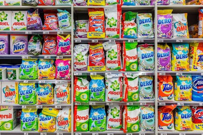 Germanii de la Dalli au ajuns la afaceri de peste 90 mil. euro cu fabrica de detergenţi din Timişoara. Fabrica de detergenţi de la Timişoara, pe care grupul german Dalli a preluat-o de la gigantul american P&G, are o capacitate totală de peste 300.000 de tone