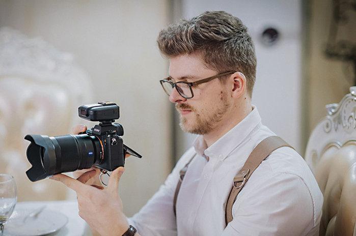 Afaceri de la zero. Roberto Constantin a pornit cu o cabină foto pentru evenimente în 2015, iar acum estimează afaceri de 120.000 de euro