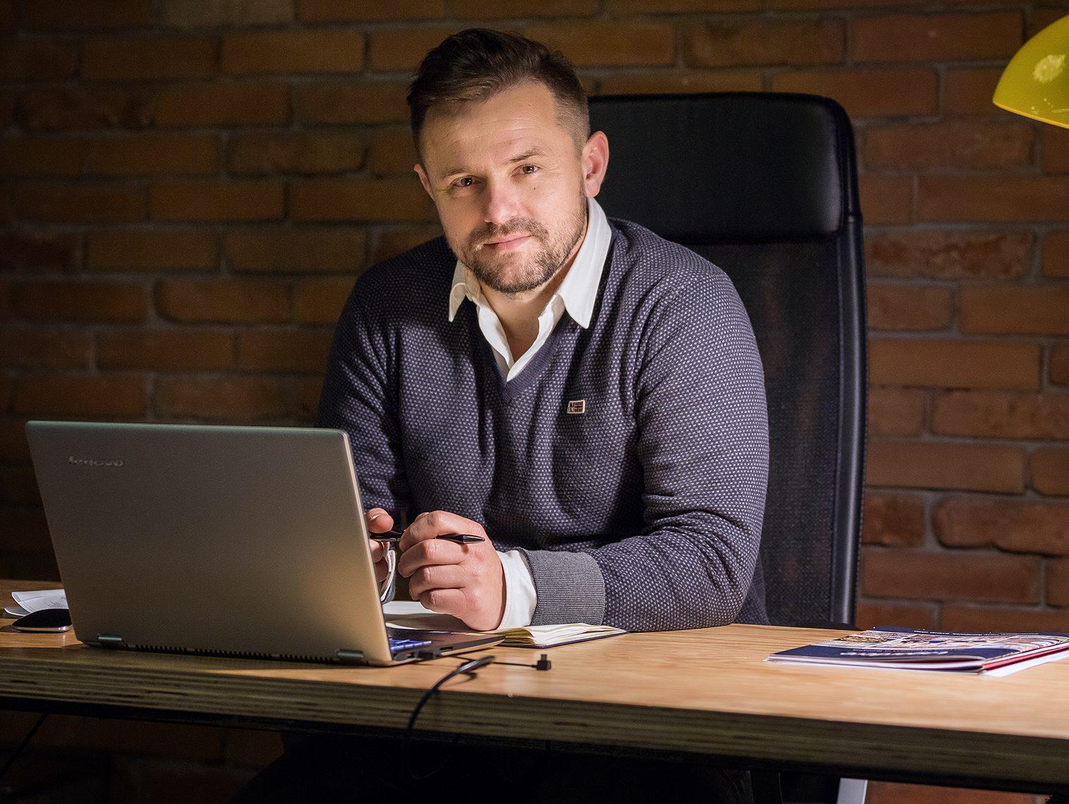 """Lanţul de cafenele TED'S Coffee, fondat de Vasi Andreica, va deschide trei noi locaţii în Bucureşti, în luna septembrie. """"Suntem într-un proces de revenire în HoReCa, dar ne aflăm în continuare într-o zonă cu turbulenţe"""""""