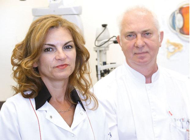 O familie de medici oftalmologi face 3,4 milioane de euro din consultaţii şi operaţii la ochi