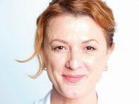 Afaceri de la zero. Gabriela Oprescu, inginer chimist, produce cosmetice naturale din ingrediente bio într-un laborator din Urlaţi, în urma unei investiţii de 45.000 de euro