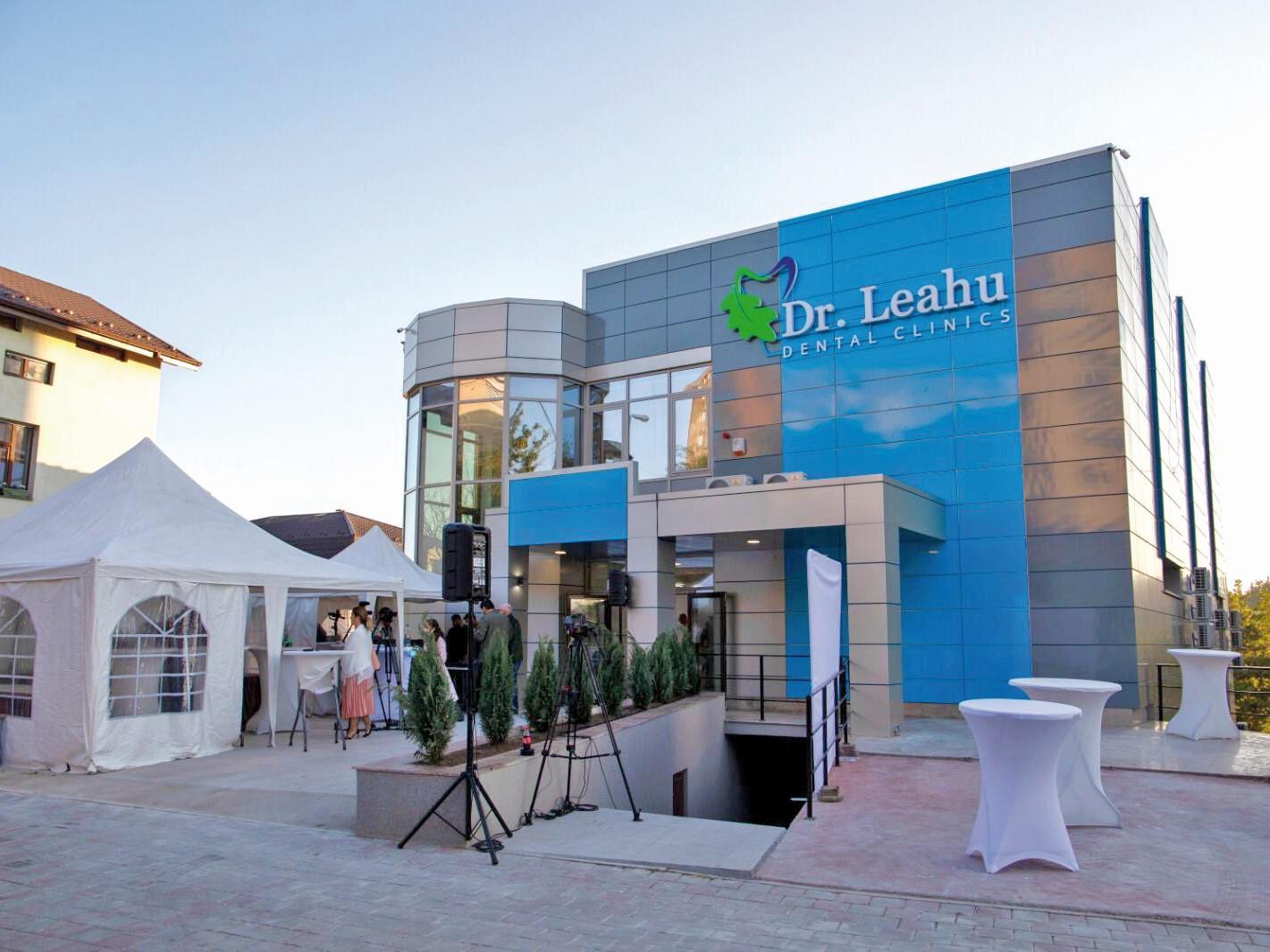 Extindere în vremea pandemiei. Reţeaua de clinici Dr. Leahu a deschis o nouă unitate în sistem de franciză la Iaşi, o investiţie de 750.000 euro. Clinicile Dr. Leahu sunt prezente în şapte oraşe din ţară, dintre care trei unităţi sunt în sistem de franciză