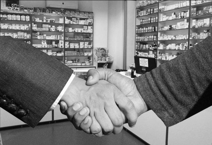 Colaborările din industria farma, un nou trend în sănătate. Pandemia aduce la aceeaşi masă jucătorii din sănătate, care devin din competitori, colaboratori