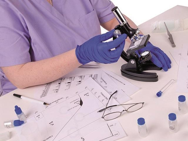 Industria testelor de laborator în privat. Diviziile de laboratoare ale MedLife şi Medicover aduc între 20% şi 50% la businessul total al grupurilor