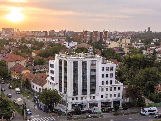 Grupul Accor a deschis luni hotelul de patru stele Mercure Timişoara, cu 60 de camere. Sala de conferinţe de 100 de metri pătraţi va fi disponibilă din februarie 2021