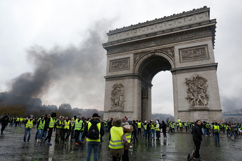 Bilanţul protestelor din Franţa: Peste 1.700 de persoane au fost reţinute de autorităţi