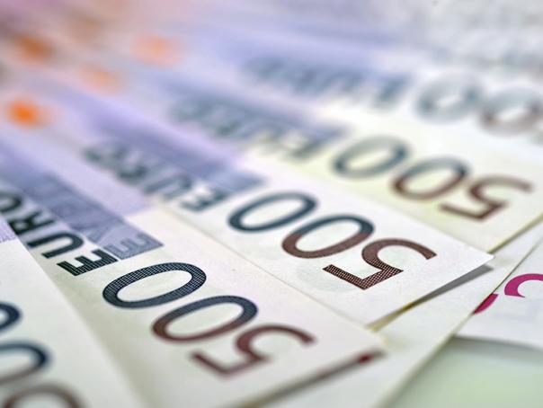 16.000 de companii aveau la sfârşitul lunii septembrie 2015 depozite de peste 100.000 de euro fiecare