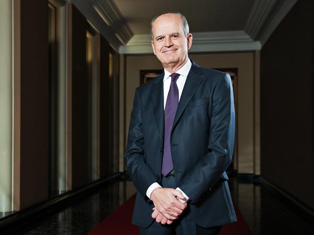Intesa Bank: Strategia noastră este de a creşte organic, sănătos, pe zona de corporate şi IMM-uri. Nu vrem să cumpărăm nicio bancă în România şi nici nu avem în intenţie să reintrăm pe retail