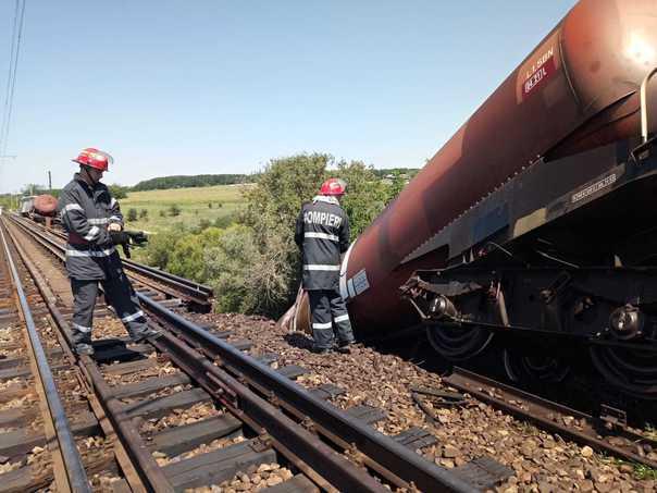 Trenul încărcat cu produse petroliere care a deraiat în judeţul Dolj este asigurat la Omniasig